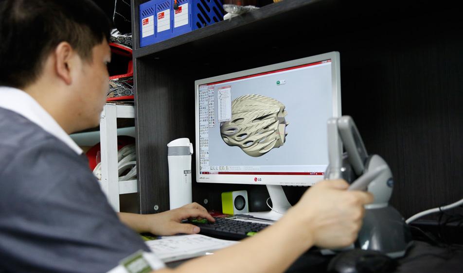 helmet design service